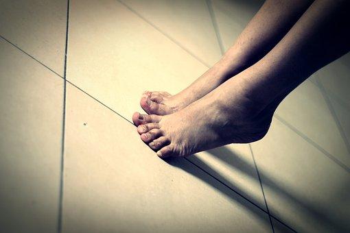 Feet, Toe, Human Body, Soil, Body, On Tiptoe