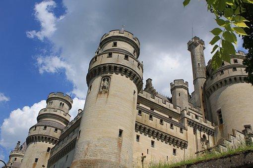 Castle, Pierrefonds, Oise, History, Medieval