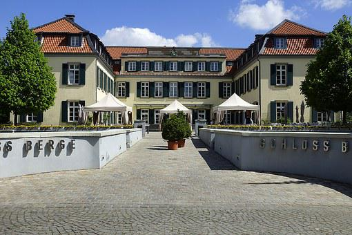 Castle, Schlosshof, Architecture