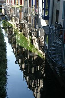 Amiens France, Channels, Reflections