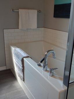 Bathtub, Tub, Bath, Bathroom, Bathe, Towel, Faucet