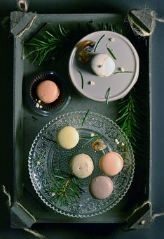 Macaroons, Dessert, Sweets, Treats, Food, Snack, Plates