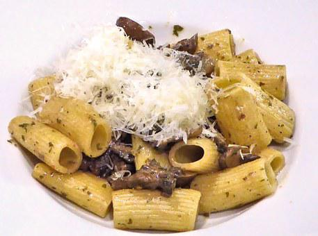 Pasta, Mushrooms, Bacon, Cheese, Olive Oil, Spices