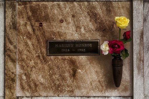 Marilyn Monroe, Star, Resting Place, Flowers, Crypt