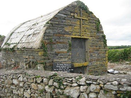 Ireland, Ellen Madigan, Mausoleum, Crypt, Moss