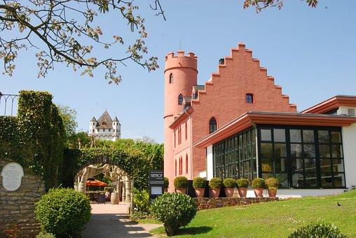 Eltville, Rheingau, Burg Crass, Frey Farm, Restaurant