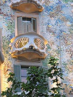 Balcony, Small, Raised, Ornate, Elaborate, Curved