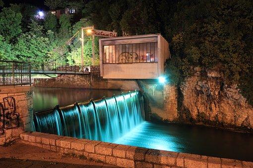 Bosnia, Hezegovina, Sarajevo, Evening