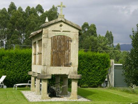Hórreo, Garden, Rebuilt
