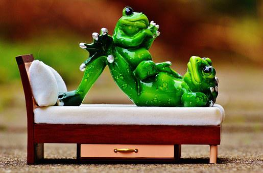 Mom And Child, Frogs, Bed, Concerns, Funny, Cute, Frog