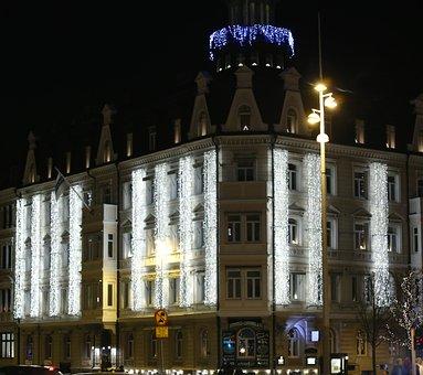 Lightchains, Building, Helsingborg