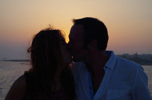 Kiss, Silhouette, Love, Romance, Sunset, Happy, Lovers