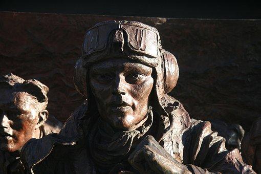 Pilot, Monument, London, 2nd World War, Brass, Image