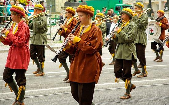 Parade, Musicians, Munich, Oktoberfest, Clarinets