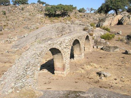 Aqueduct, Bridge, Plasencia