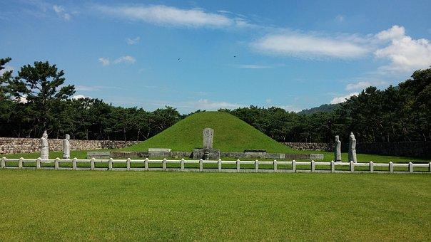 Kim Suro Of Geumgwan Gaya, Tomb, Gimhae