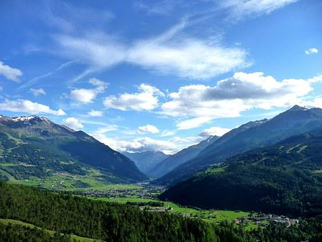 Alps, Valley, Valtellina Valley, Lombardy, Bormio