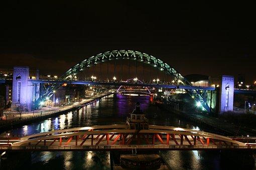 Swing Bridge, Tyne Bridge, Newcastle, Gateshead, Night