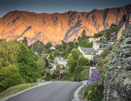 Peace Park, Lake Wapatiku, Queenstown, New Zealand