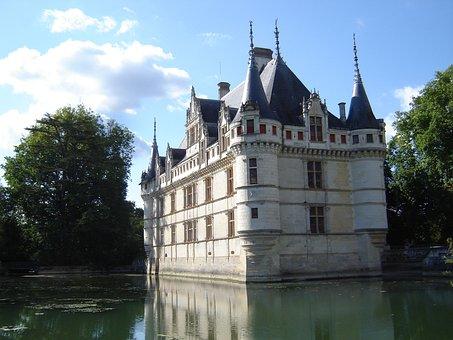 Châteaux De La Loire, Azay Curtain, Renaissance