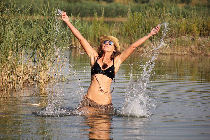 Woman, Fun Bathing, Paddling, Swim, Lake, Bikini