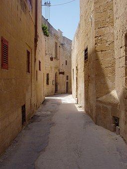 Malta, Mdin, Alley