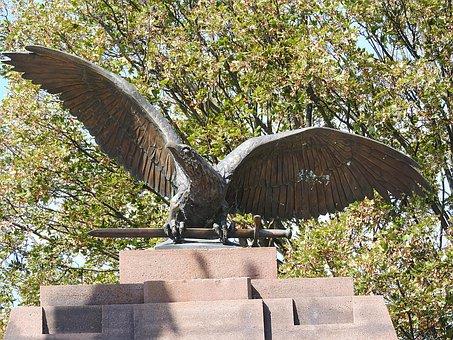 Monument, Turulmadar, Turulvogel, Hungarian Mythology