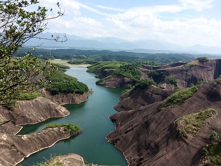 Clear Water Danxia, The Scenery, Background