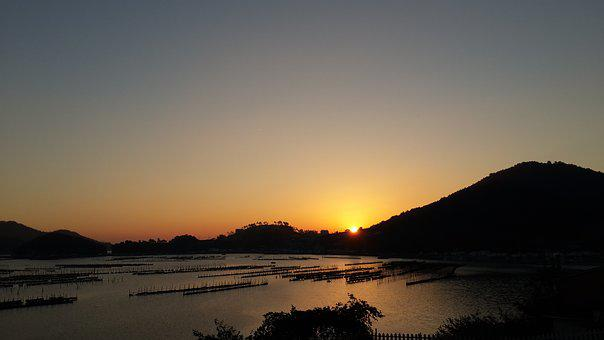 South Pacific, Sunrise, Yeosu, Dolsando, Also Hanryeosu