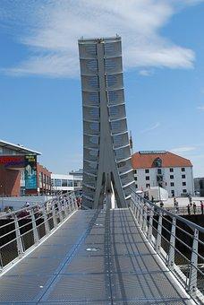 Lift Bridge, Höövt Haven, Shopping Centre, Vegesack