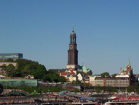 Hamburg, Port, Landungsbrücken, St Michaelis