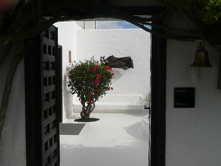 Del Agua Caves, Lanzarote, Cave Dwelling