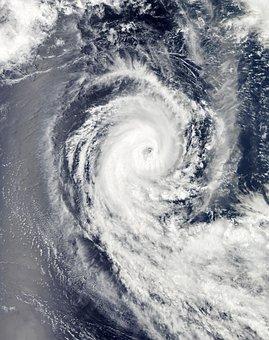 Hurricane Benilde, Winter Storm, Clouds