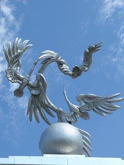 Tashkent, Independence Square, Monument, Storks