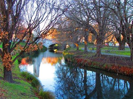 Christchurch, New Zealand, Bridge Fall, River