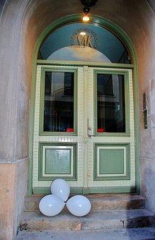 Door, Old Door, Entrance, Balon, Building, Park, Doors