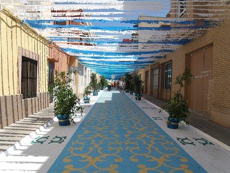 Decorated Streets, Festivities, Fiesta Basil