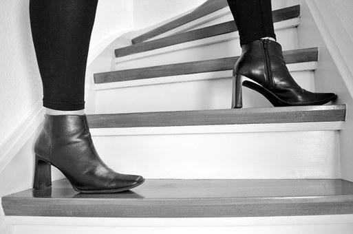 Stairs, Stand, Wait, Woman, Paragraph, High Heel
