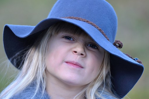 Child, Girl, Hat, Blond, Face, Questionable, Question