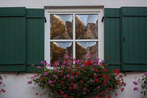 House, Old, Window, Gwölbtes Window Glass, Mirroring