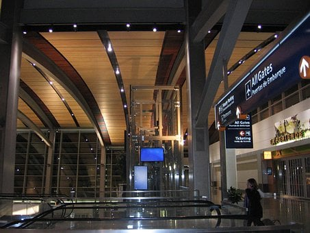 Sacramento International Airport, Terminal, Building