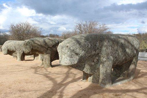 Guillando, Bulls Of Guisando, Ancient Stones