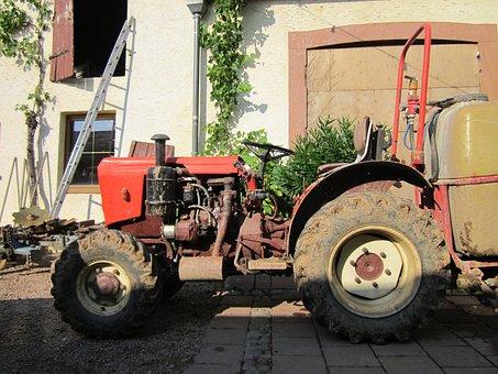 Weingut Eser, Oestrich-winkel, Tractor, Machinery