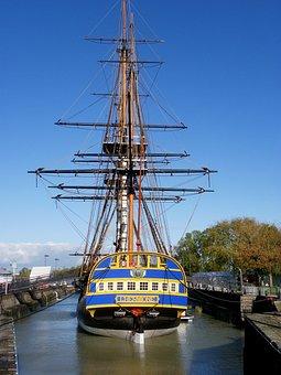 The Frigate Hermione Lafayette, Sailboat, Frigate