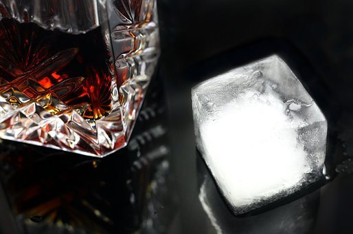 Drink, Ice, Glass, Alcohol, Cocktail, Bar, Beverage