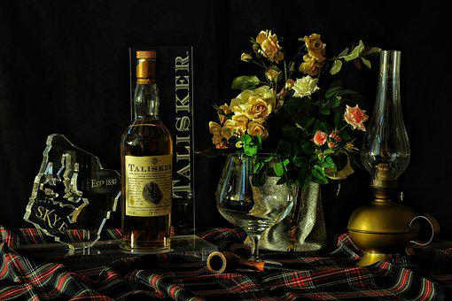 Whisky, Texture, Flowers, Lamp, Pipa, Scotland, Bottle
