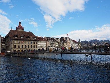 Rathaussteg, Pedestrian Link, Lucerne, Rathaus Brauerei