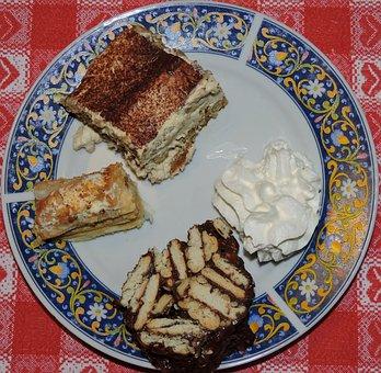 Tiramisu, Sweet, Dish, Table, Yarrow, Chocolate, Cream