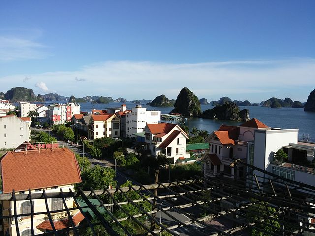 Town Beach, Column 5, Ha Long City