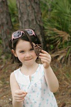 Treasure, Tree, Pine, Discovered, Has, Girl, Face, Cute